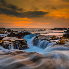 Golden Wonders by Jared Goodwin - Landscapes Sunsets & Sunrises ( nikon d7100, ocean, beach, landscape, long, photography, sun, island, nature, sunsets, cloudy, sunshine, long exposure, nikon, rocks, hawaii, golden hour, water, clouds, majestic, cloudscape, sea, seascape, paradise, amazing, sunset, cloud, summer, sunrise, landscapes, slow shutter, golden )