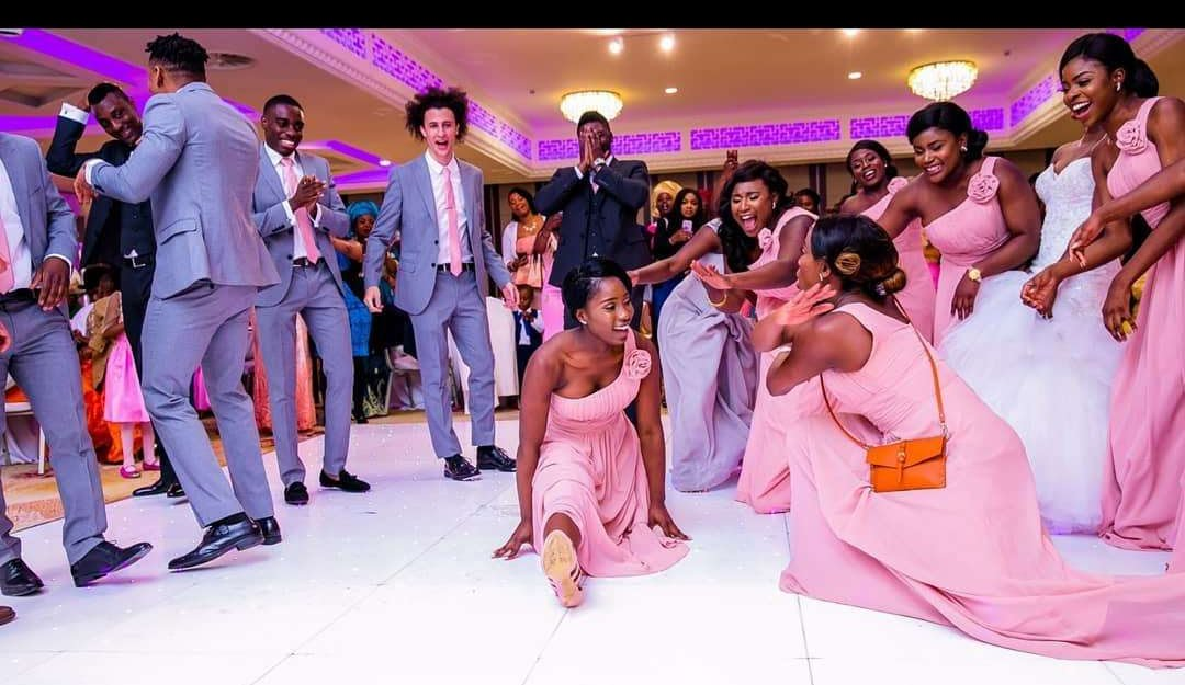 BRIDAL PARTY ON THE DANCEFLOOR
