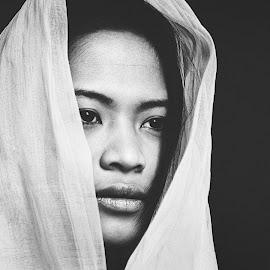 Portrait, Hanoi, Vietnam by Thomas Jeppesen - Black & White Portraits & People ( blackandwhite, monochrome, girl, female, black and white, woman, bw, vietnamese, vietnam, portrait )
