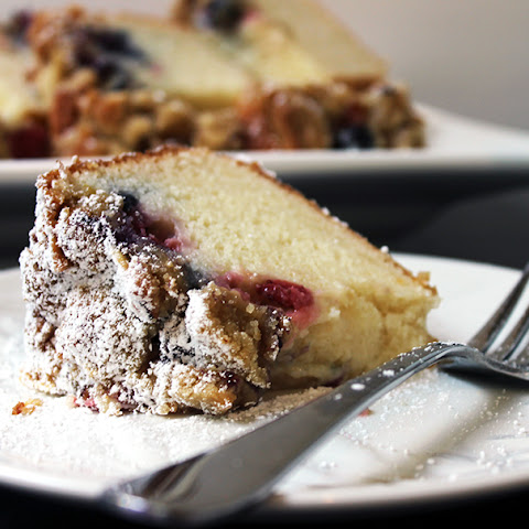 Blackberry+sour+cream+cake Recipes | Yummly