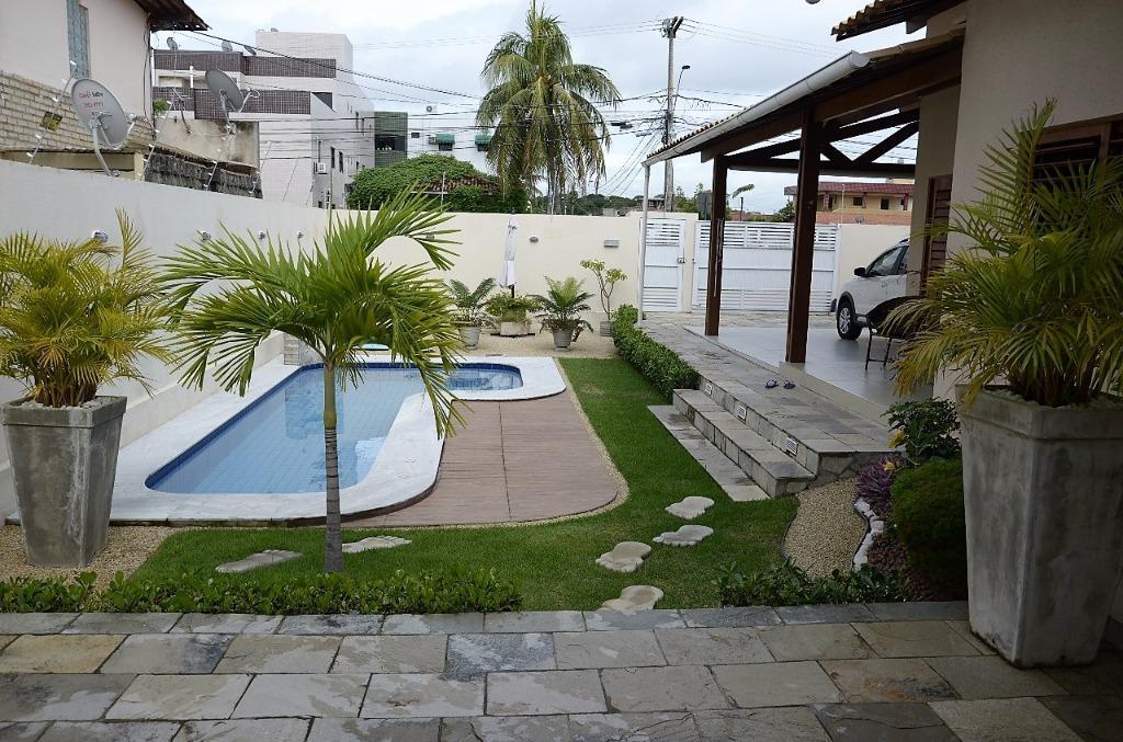 Casa com 3 dormitórios à venda, 142 m² por R$ 650.000 - Bessa - João Pessoa/PB