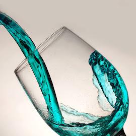 Cristal  by Maritte Lazcano - Artistic Objects Glass ( liquido, copa, publicidad )