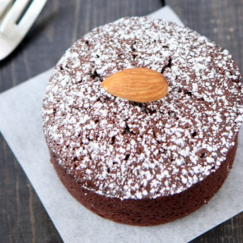 Chocolate Almond Flour Cakes for Two
