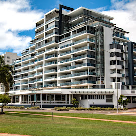09052017_2857 by Deborah Bisley - Buildings & Architecture Office Buildings & Hotels ( building, street, hotel, architecture, apartments )