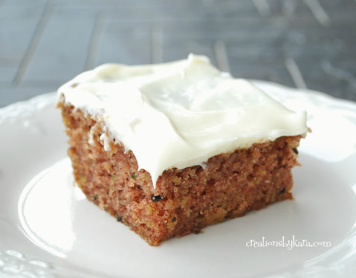 Zucchini Cake with Cream Cheese Frosting Recept | Yummly
