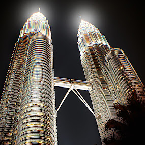 KLCC TWIN TOWER        by WanUkay Perdana - Buildings & Architecture Public & Historical ( petronas towers. 4th prime minister of malaysia's. kuala lumpur city centre. tanjong golden village cinema )
