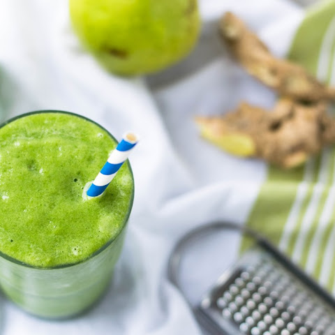 Fresh Pear Ginger Smoothie