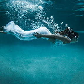 Beneath the Surface by Cameron Watts - People Portraits of Women ( #art #australia #beach #beautiful #beauty #beauty in nature #colour #contrast #girl #light #love #natural #natural light #nature #ocean #pool #queensland #sun #sunshine #underwater #water #waterscape #woman )