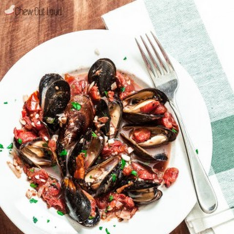 Healthy Mussels with Garlic and Tomatoes