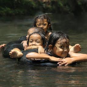 Swimm by Rakhman Matsunaga Stavolt - People Group/Corporate