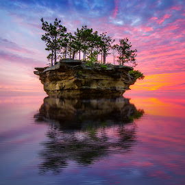 Island Sunset by Shannon Rogers - Landscapes Waterscapes ( shannon rogers photography, water reflections, reeflections, google, shannon rogers, island sunset, bing, beautiful, witter, beautiful sky, seascape, breathtaking, landscape, island, amazing sky, nature, sunset, award winning, facebook, sunrise )