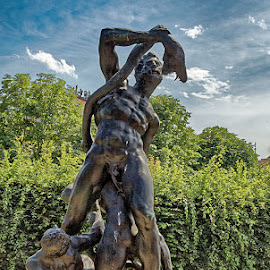 Hercules and the snake by Radu Eftimie - Buildings & Architecture Statues & Monuments ( statue, senate garden, prague )