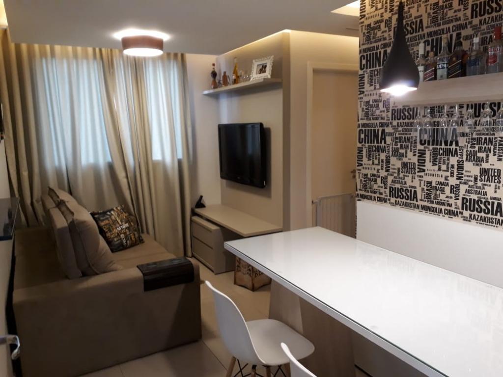 Apartamento com 2 dormitórios à venda, 47 m² por R$ 175.000 - Mercês - Uberaba/MG