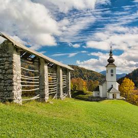 St, Marko by Stane Gortnar - Buildings & Architecture Public & Historical ( spodnje danje, sky, church, slovenia, autumn colors, landscape )