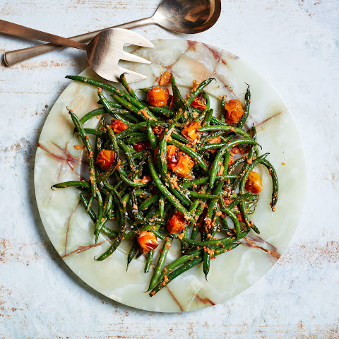 Blistered Green Beans with Tomato-Almond Pesto