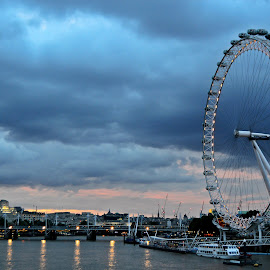The London Eye at Dusk by Amy Farrer - City,  Street & Park  Skylines ( clouds, lights, london eye, london, boats, night, cityscape, bridge, dusk, attraction )