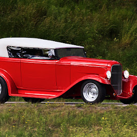 Red car. by Allan Wallberg - Transportation Automobiles