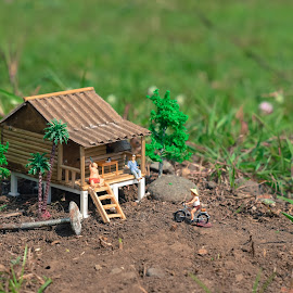 a house by Djanoear Rahman - Artistic Objects Toys ( preiser, preiserphotography, miniature )