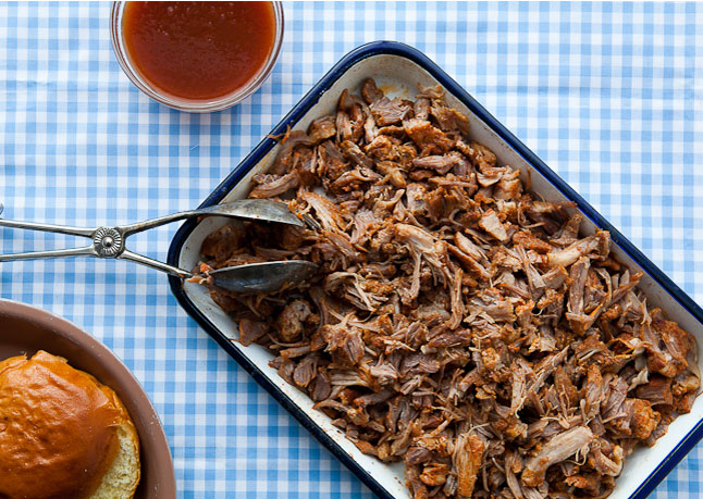 North Carolina-Style Pulled Pork with Vinegar Sauce Recept | Yummly