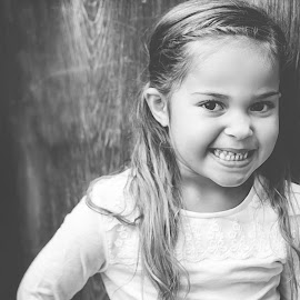 Alani by Jenny Hammer - Babies & Children Child Portraits ( child, girl, black and white, outdoor, cute, portrait )