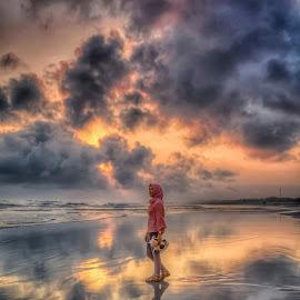 dsc5374 by Budi S - People Portraits of Women ( reflection, sunset, beach, landscape, people )