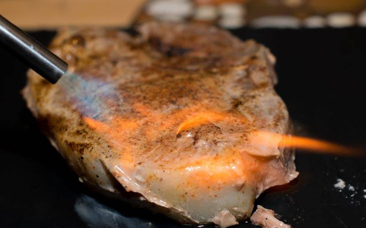 Sous Vide Pork Chops With Smoked Paprika and Brown Sugar Rub Recipe ...