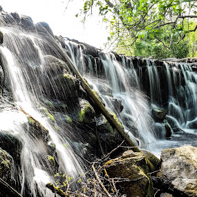 Whitnall Waterfalls in color by Jason Lockhart - Landscapes Waterscapes ( milwaukee, wisconsin, whitnall park, color, waterfall )