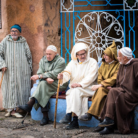 Five friends by Loris Calzolari - People Street & Candids ( chefchaouen, traditional clothes, old man, trip, morocco )