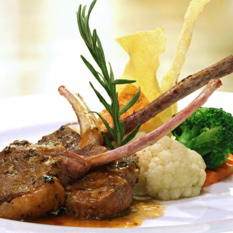 Red Wine And Rosemary Roasted Rack Of Lamb