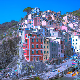 Riomaggiore in Cinque Terre by Arif Sarıyıldız - City,  Street & Park  Vistas ( riomaggiore, colourful, cinque terre, italy, liguria )