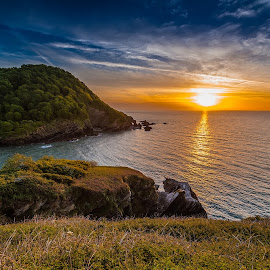 Sunset on the British coast .. by Tămaş Mikey - Landscapes Sunsets & Sunrises ( waterscape, sunset, sea, landscape, coast, island )