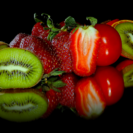 kiwi,strawberry and tomatoes by LADOCKi Elvira - Food & Drink Fruits & Vegetables ( fruits )