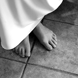 Barefoot Mary by Amanda Nystrom - People Body Parts ( elegance, dress, wedding, wedding day, feet, lines, barefeet, big day )