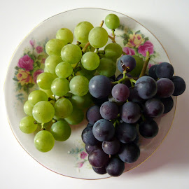 Bon appetit! by Helena Moravusova - Food & Drink Fruits & Vegetables ( gardens pruduce )