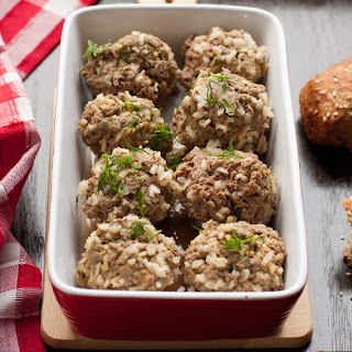 Easy 5 Ingredient Crock Pot Rice Meatballs