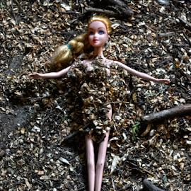 Interekstualno...zamalo by Mario Denić - Artistic Objects Toys ( doll, toy, art, barbie, dirt )