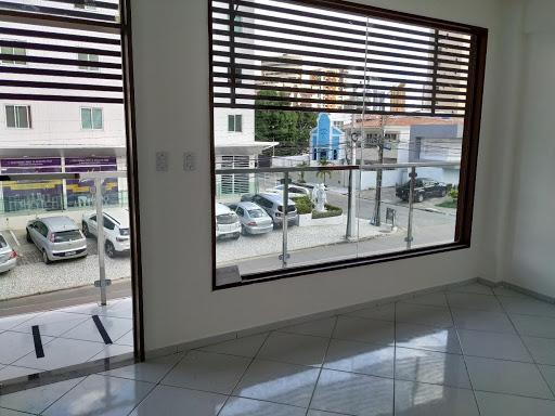 Sala comercial para alugar, no primeiro andar, 25 m² por R$ 1.500 - Manaíra - João Pessoa/PB