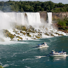Maid of the Mist by Bill Bettilyon - Landscapes Travel (  )