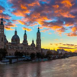 basilica del pilar, Zaragoza by Roberto Gonzalo Romero - City,  Street & Park  Vistas ( el pilar, zaragoza, basilica )