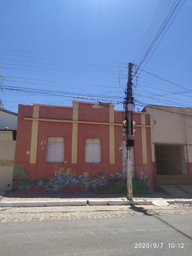 Casa com 5 dormitórios à venda, 250 m² em terreno 20x50 por R$ 420.000 - Centro - Patos/PB
