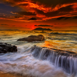 Stranded and sunset by Dany Fachry - Landscapes Beaches