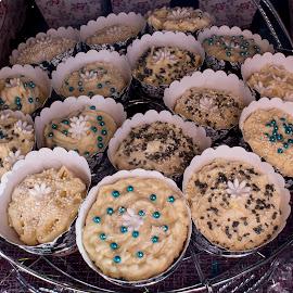 CUPCAKES by Susan Pretorius - Food & Drink Cooking & Baking