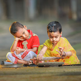 A cute little family by Abhijeet Sarkar Auntu - Babies & Children Children Candids ( starauntu, abhijeet, bangladesh )