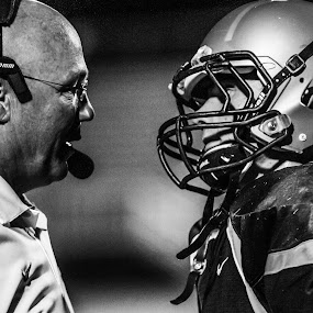 by Timothy Horng - Sports & Fitness American and Canadian football ( twmf )