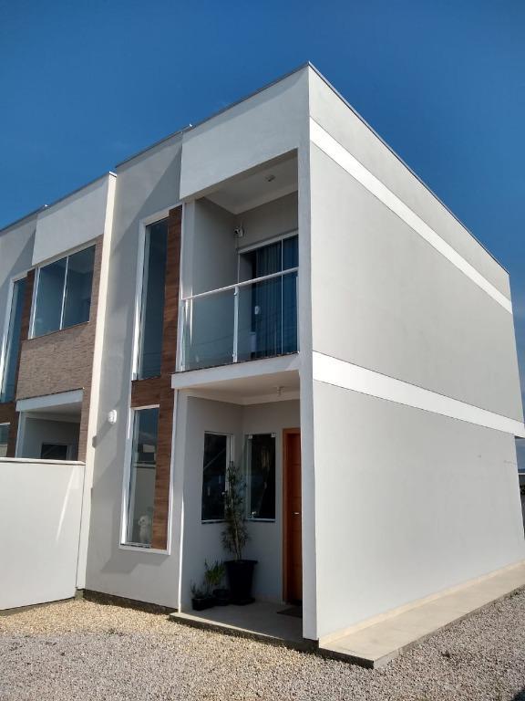Sobrado com 2 dormitórios para alugar, 70 m² por R$ 1.870,00/mês - Mata Atlântica - Tijucas/SC