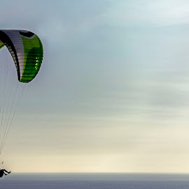 No Limits by Warren Chirinos Pinedo - Sports & Fitness Other Sports ( clouds, extreme, paragliding, sky, parapente, parapuerto, sport, perú, miraflores, lima, warren chirinos pinedo )