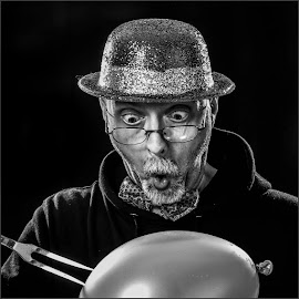 Brillemans by Eddy Maerten - People Portraits of Men ( black and white, humor )