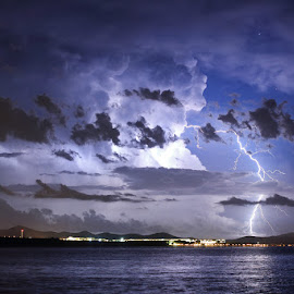 Isolated cumulonimbus cloud by Ivan Stulic - Landscapes Weather ( lightning, thunderstorm, cloud, weather, storm )