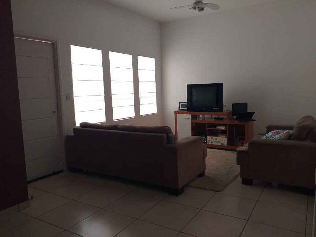 Linda casa com 3 dormitórios à venda no Condomínio Terras do Fontanário - Paulínia/SP