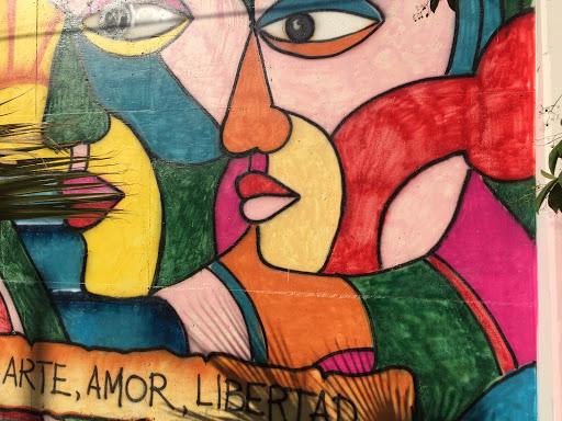 Mural Educación Arte Amor Libertad